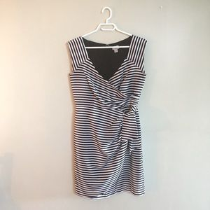 cross-tie front dress